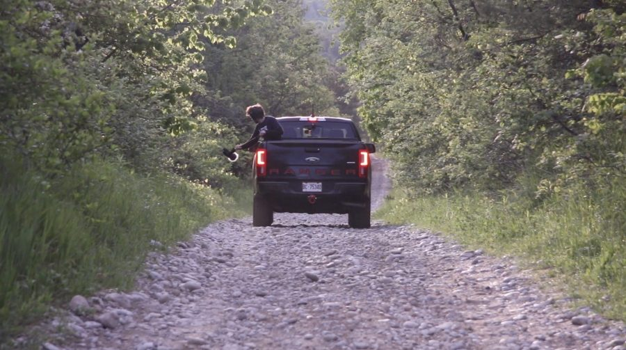 Ford Ranger Driving - Tires On Rocks